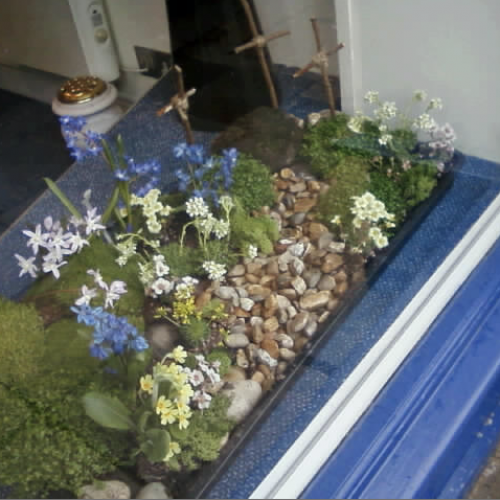 Easter Garden at Chertsey Branch
