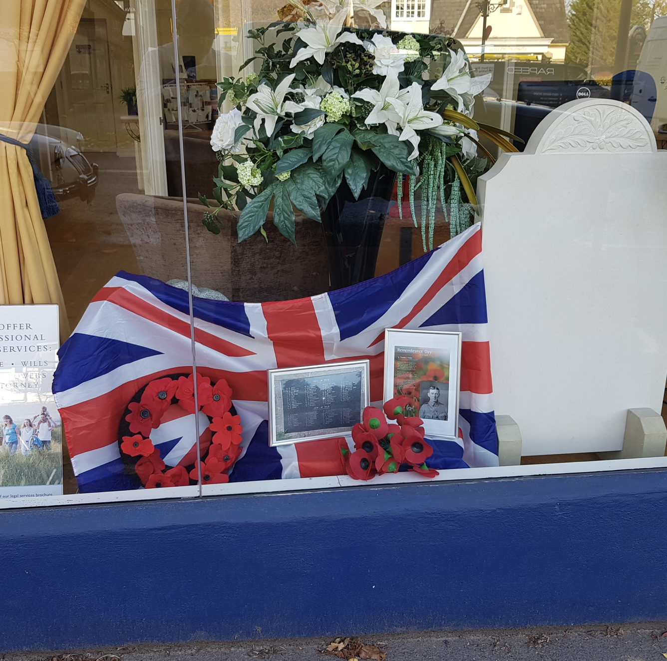 "Lodge Brothers, Sunningdale says: ""Lest We Forget"""