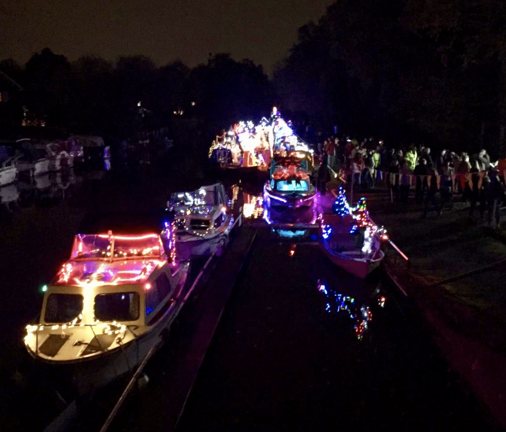 Byfleet Boat Pageant Supported by Lodge Brothers & Boutell