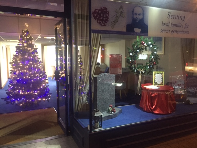 Christmas Remembrance Tree A Hit With Ashford Community