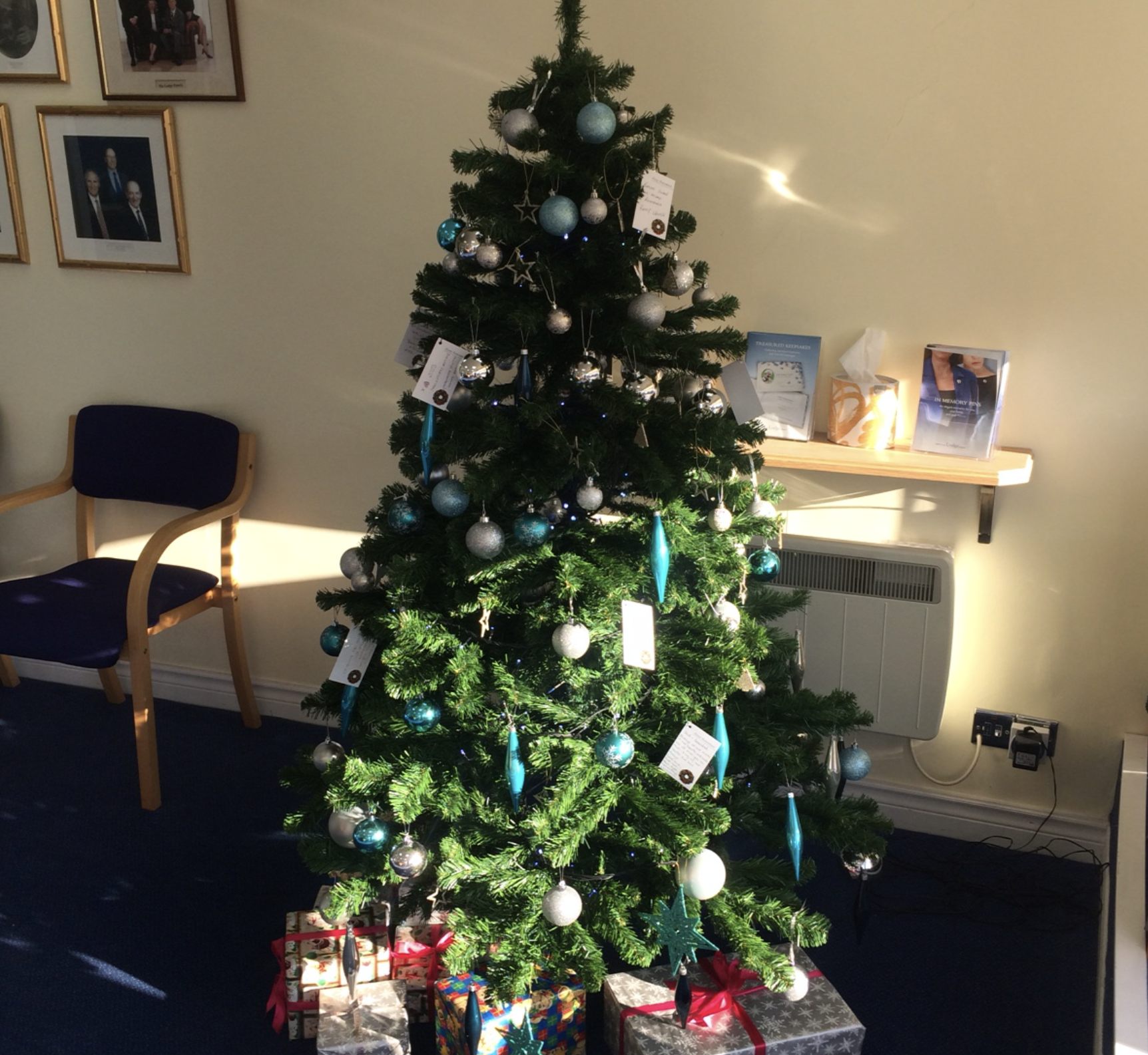 Christmas Memory Tree at Bedfont Branch