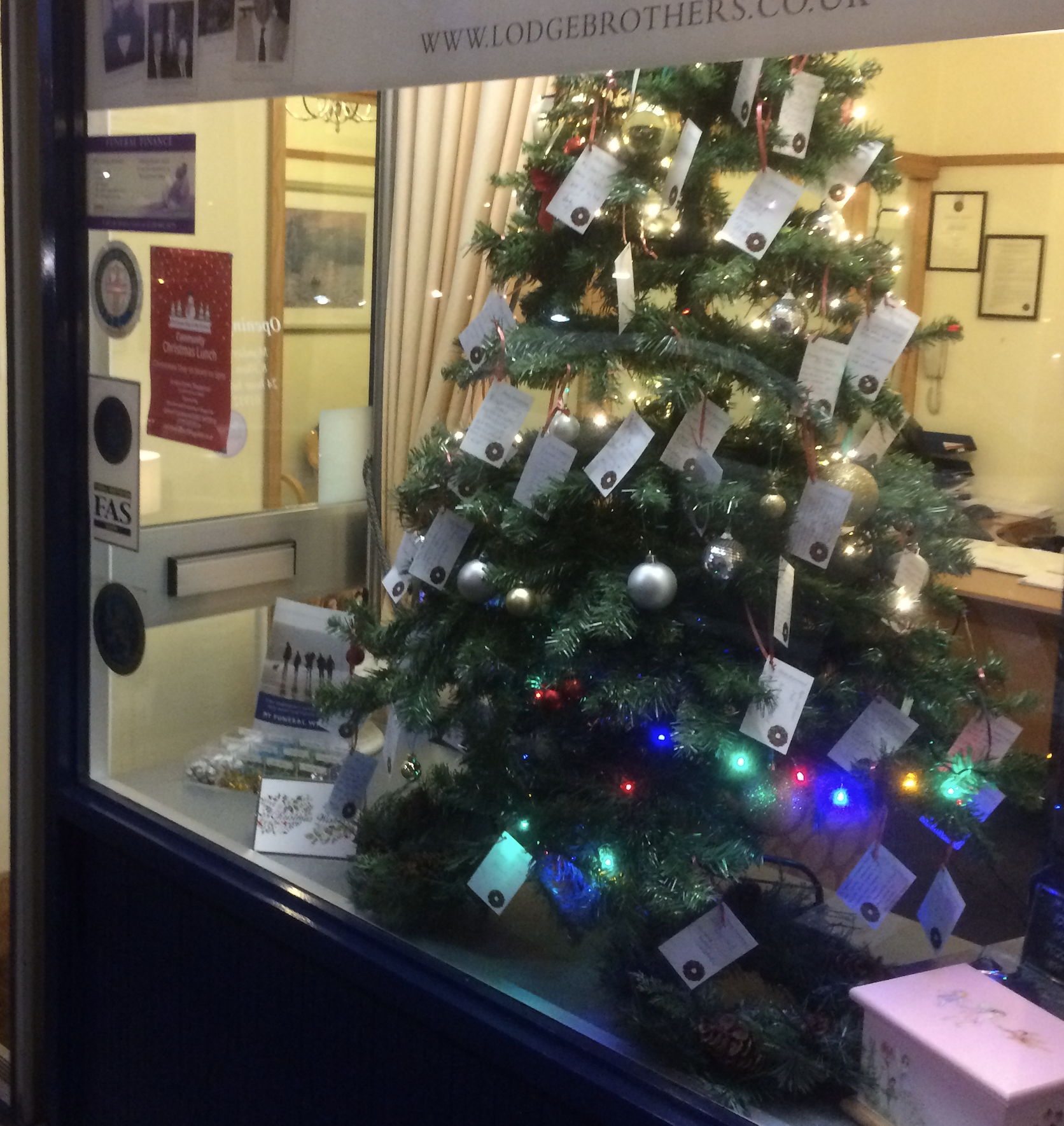 Christmas Remembrance Tree at Lodge Brothers Sunbury