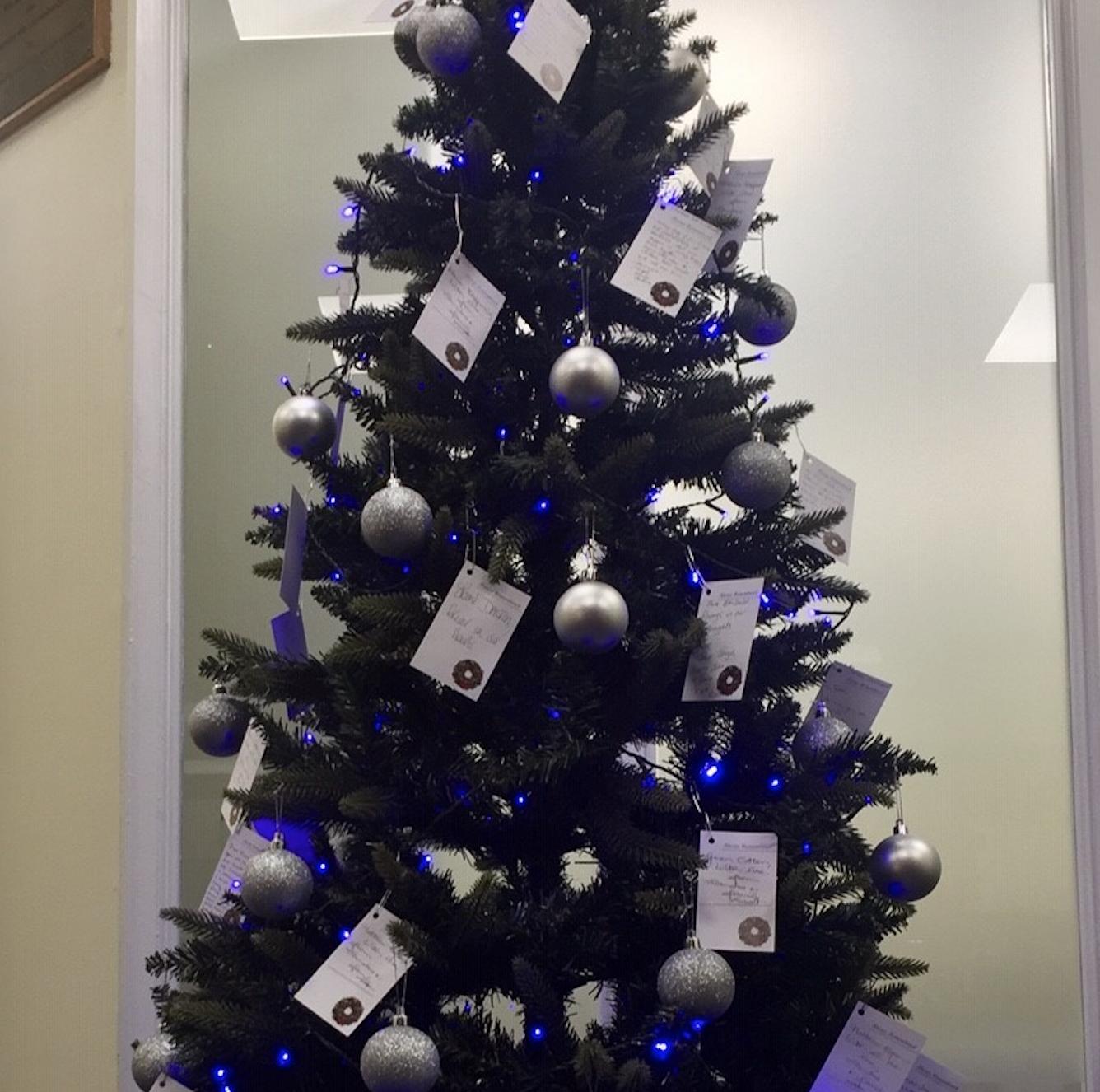 Christmas Remembrance Tree at Lodge Brothers Walton
