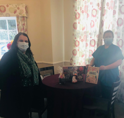 Lodge Brothers Donates Raffle Prizes for Local Nursing Home