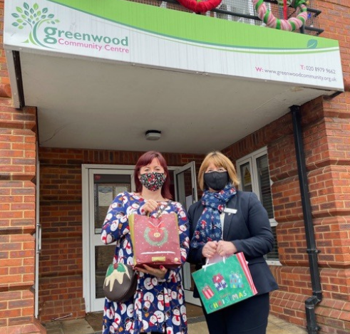 Hampton Hill Branch Delivers Goodies to Local Community Centre